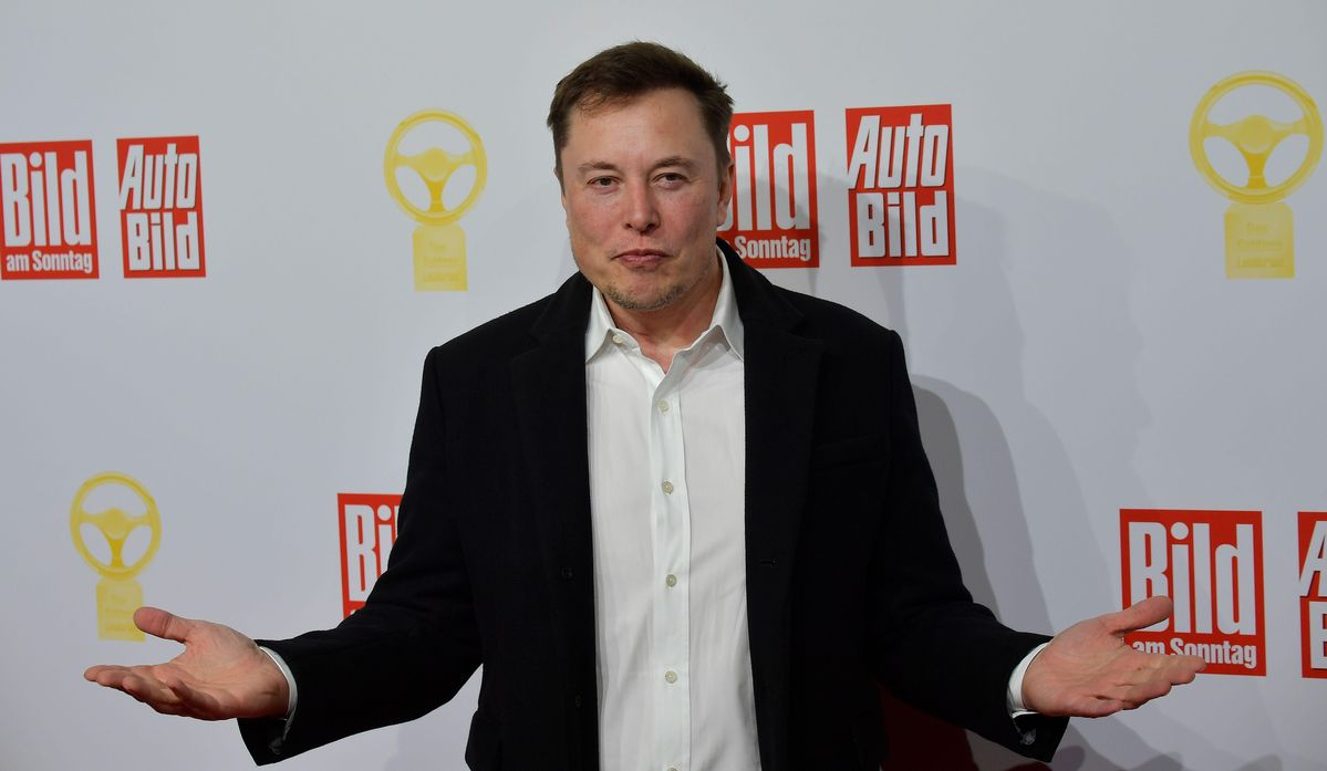 Elon Musk Membanting 'Masif' Stimulus Fed — Memberitahu Harry Potter Pengarang Bitcoin Terlihat 'Padat'