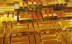 Penggerak Pertama: Bitcoin Akhirnya Berlalu $ 10K, tetapi Mengapa Itu Berjuang Sementara Emas Bersinar?