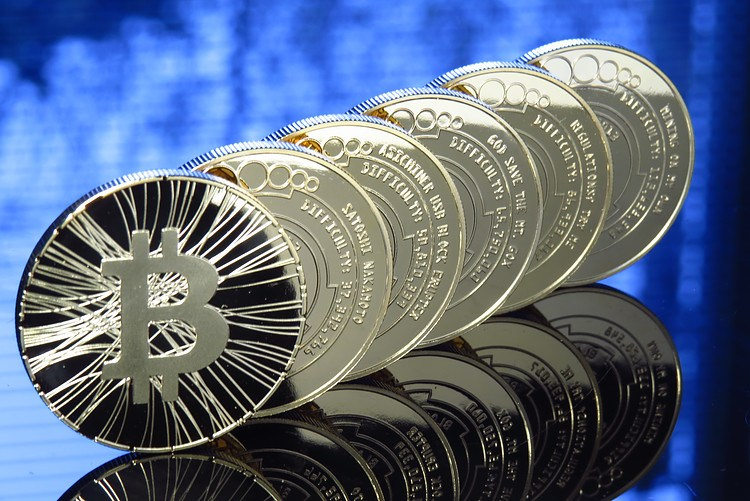 Bitcoin dan altcoin di jalur pemulihan, bulls siap untuk melompat