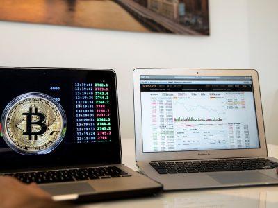 Harga Bitcoin tergelincir di tengah spekulasi bahwa blok cryptocurrency mungkin terkait dengan pencipta Satoshi Nakamoto baru saja berpindah tangan