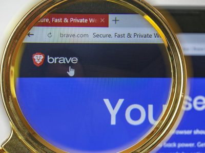 Brave browser on mobile showing Brave privacy browser adding affiliate links to cryptocurrency URLs
