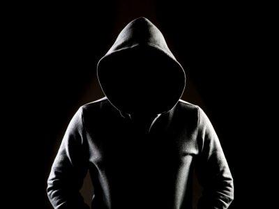 Satoshi Nakamoto Diculik, Disiksa oleh NSA untuk Menghancurkan Crypto di Film Baru 'Decrypted'