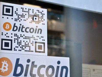 Bitcoin naik setelah keputusan pengadilan itu adalah bentuk uang; Pendiri Apple menuntut Google atas penipuan cryptocurrency