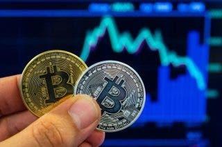 Lingkaran investor sebagai mantan kepala agen cryptocurrency dinyatakan bangkrut - Warga