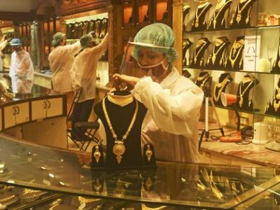 Orang India enggan berinvestasi dalam cryptocurrency, mencari emas dan pasar saham meskipun ekonomi suram